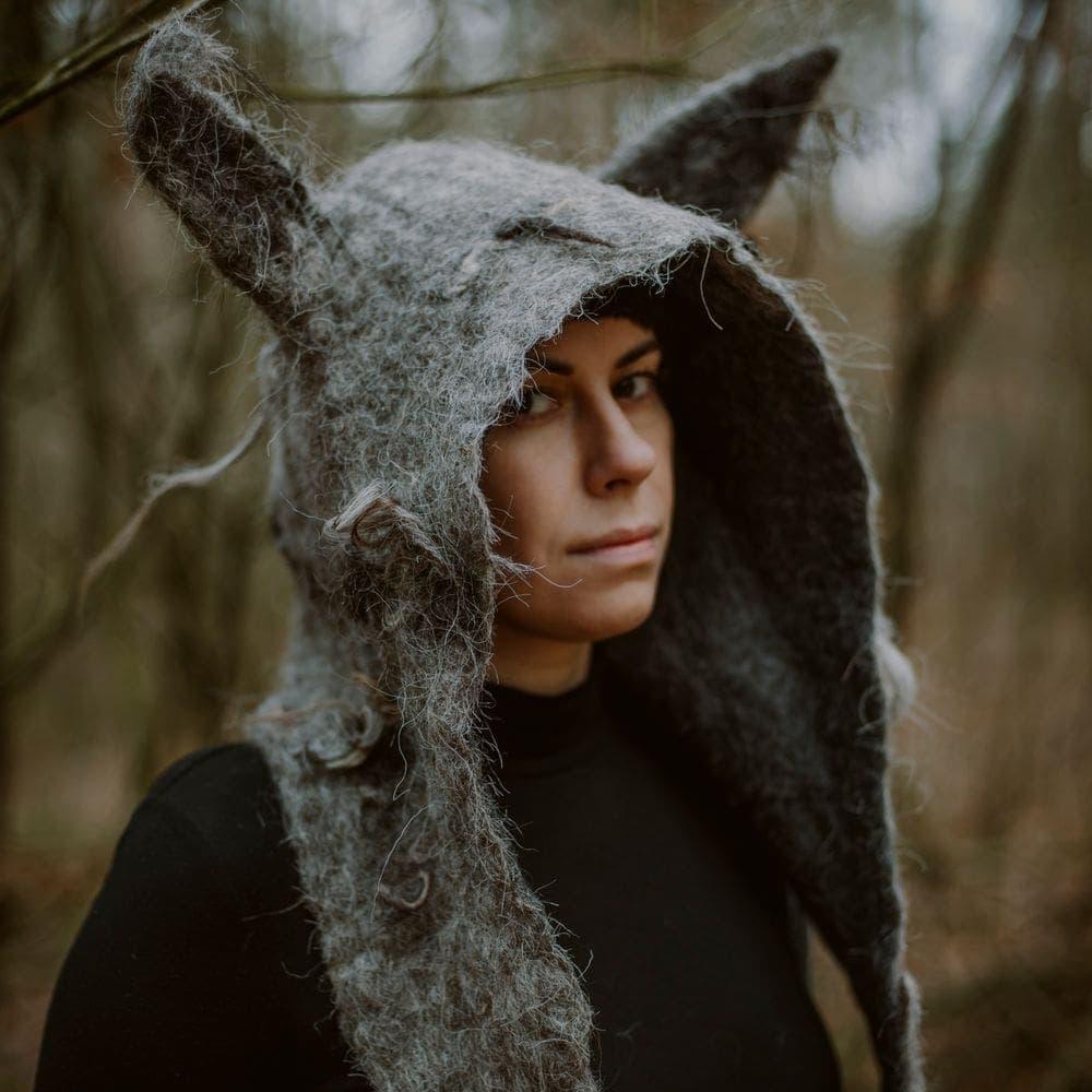 czapka-z-uszami-wilka