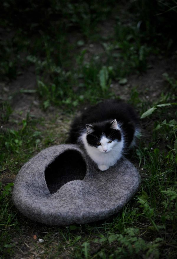 wełniany domek dla kota